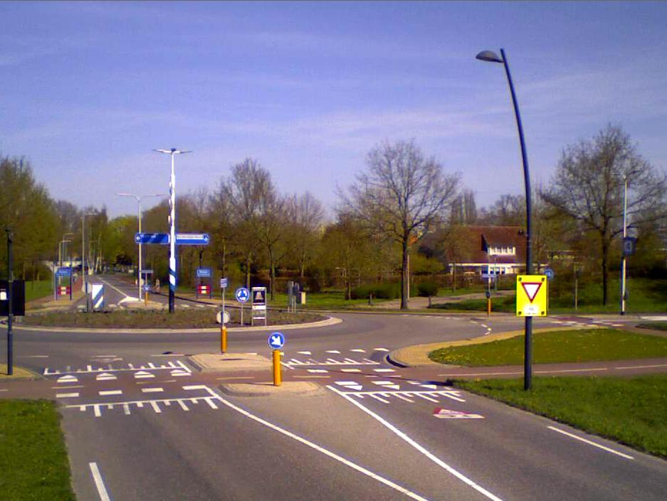 Fietsstromen bij Rotonde in Nijverdal