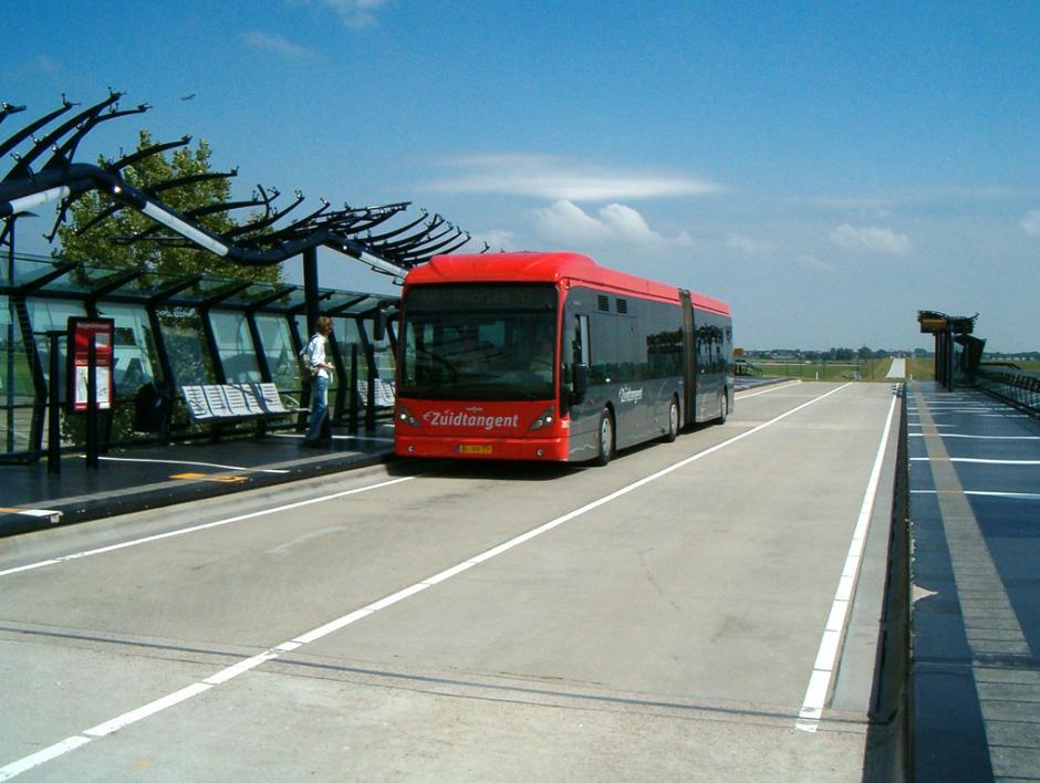 CROW publicatie Busvriendelijk wegontwerp