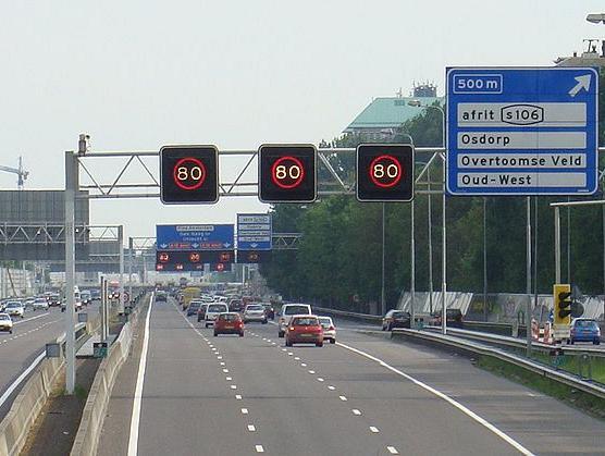 De maximumsnelheid op je navigatie-app: betrouwbaar of niet?